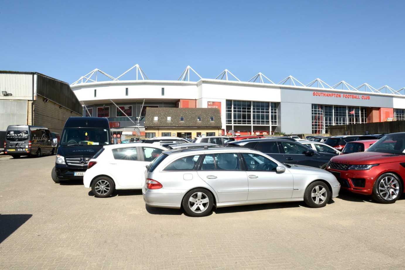 Airlynx Parking at St Mary's Stadium